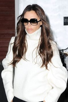 How Victoria Beckham Supercharges Her Makeup in Seconds