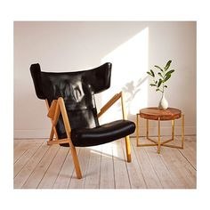 The holy Grail of Finn Juhl chairs, the 'Græshopper'. Niels Vodder only crafted 2 pieces of this rare sculptural lounge chair. The leather is the original, but subsequently dyed black. #finnjuhl #finnjuhlhouse #nielsvodder #denmark