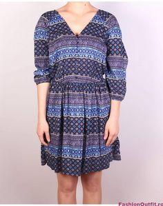 Rochiile sunt considerate articole vestimentare pline de feminitate, foarte lejere si comode, si sunt disponibile intr-o gama variata de modele si intr-o paleta Dresses With Sleeves, Long Sleeve, Casual, Fashion, Moda, Full Sleeves, La Mode, Gowns With Sleeves, Fasion