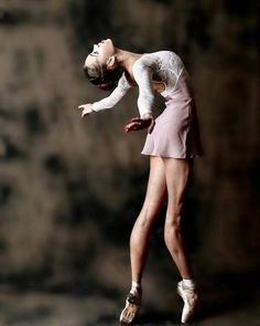The beauty of ballets. Ballet Poses, Dance Poses, Ballet Dancers, Ballerinas, Ballerina Dancing, Ballerina Poses, Ballerina Project, Misty Copeland, Ballet Class