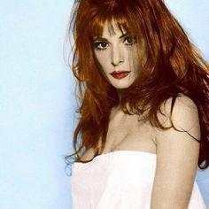 Mylène Farmer 😍😍😍 #mylenefarmer #90s #music #love #sexy #fit #makeup #hair #fashion #l4l #like4like #likeforlike #lgbt #art #model #singer #france #russia #poland #diva