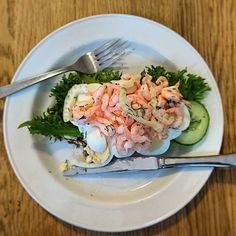 Oh I just can't get enough - the swedes know the deal when it comes to lunch 🐟🍴 The Swede, World Traveler, Foodie Travel, Solo Travel, Backpacking, Potato Salad, Travelling, Things To Come, Wanderlust