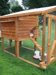 nice coop...hope i get to build a new one soon!
