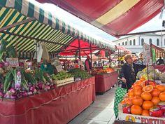 Mercato Porta Palazzo http://www.thegirlwiththesuitcase.com/2016/10/torino-itinerario-tra-romanticherie-ed-esperienze-low-cost.html