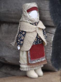 Купить или заказать Народная куколка 'Душенька' в интернет-магазине на Ярмарке Мастеров. Душенька , теплая согревает, лелеет душу сохраняет домашний очаг . Кукла выполнена из натуральных материалов. Стоит только с опорой. Подарите своим близким подарок в русских традициях.