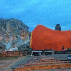 """""""ดโลกยสุธา Wat Lokayasutharam  #thailand #ayuttaya #travel #泰國 #艾尤塔雅 #旅行 #태국 #아유타야 #여행"""" Photo taken by @ishideo on Instagram, pinned via the InstaPin iOS App! http://www.instapinapp.com (07/23/2015)"""