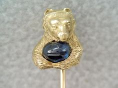 Antique-Victorian-14K-Gold-Bear-Stick-Pin-Holding-Blue-Sapphire-Stone-ORNATE