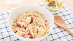 Rýchle, chutné a zdravé. Raňajky plné energie si pripravíte za 10 minút, tu je recept. Oatmeal, Grains, Rice, Breakfast, Recipes, Food, The Oatmeal, Morning Coffee, Rolled Oats
