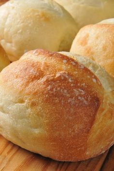 Bread Rolls to Die For Recipe - French Bread Rolls ~ Very easy to make and so tasty! even for someone who is a bread novice.French Bread Rolls ~ Very easy to make and so tasty! even for someone who is a bread novice. Bread Machine Recipes, Easy Bread Recipes, Cooking Recipes, Cooking Time, Bread Flour Recipes, Cooking Classes, Bread Machine Rolls, Italian Bread Recipes, Thai Cooking