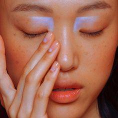 Nails blue pastel eye makeup Ideas for 2019 Eye Makeup, Runway Makeup, Makeup Art, Hair Makeup, Pastel Makeup, Gold Makeup, Makeup Trends, Makeup Inspo, Makeup Inspiration