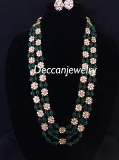 Sumaina pachi Kundan long necklace with earrings - Foulard Bead Jewellery, Beaded Jewelry, Beaded Necklace, Pearl Jewelry, Vintage Jewelry, Gold Earrings Designs, Necklace Designs, Latest Necklace Design, Gold Designs