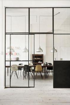 Puertas de cristal con estilo industrial | Decorar tu casa es facilisimo.com