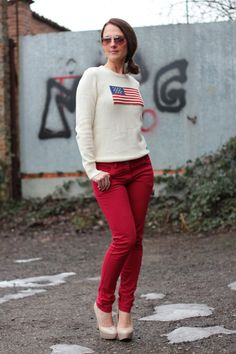 Today on my Fashion blog Flag sweater and Red Pant - How to wear and Fashion Tip Red pants Flag sweater by Maggie Dallospedale International Fashion Blogger Today on my international ‪#‎Fashionblog‬ <a href=http://www.indiansavage.com>Maggie Dallospedale Fashion diary</a> New ‪#‎outfit‬ <a href=http://www.indiansavage.com/flag-sweater/> Flag Sweater and Red Pants </a>