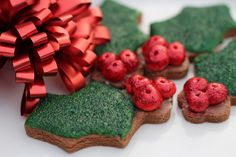 Diary of a Mad Hausfrau: Easy Holly Christmas Cookies