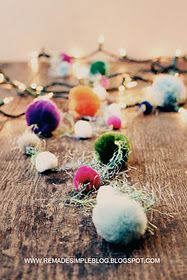 colorful pompom garland by remade simple #handmadeholiday