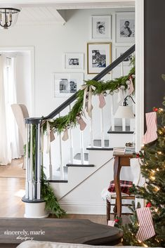 Christmas Entryway, Christmas Home, Cottage Christmas, Country Christmas, White Christmas, Christmas Ideas, Fixer Upper, Old Fashion Christmas Tree, Ceiling Texture