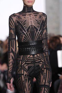 Dark Fashion, Fashion Art, Runway Fashion, High Fashion, Womens Fashion, Fashion Design, Gothic Fashion, Moda Cyberpunk, Cyberpunk Fashion
