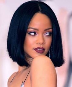 the same bob straight wigs Rihanna Short Hair, Best Of Rihanna, Rihanna Style, Rihanna Crown, Rhianna Hairstyles, Casual Hairstyles, Wig Hairstyles, Estilo Rihanna, Divas