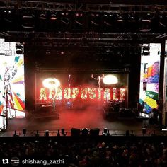 Así se vivió el #AeroFest de #Aeropostale con los artistas @aurynweare @belindapop y @moderattomx en el #AuditorioBlackberry #concierto #aero #shishangzazhiofficial #fashionblog #fashionista #blog #blogger #bloggers #blogging #bloggerlife #bloggerstyle #mex #mexico #auryn #belinda #moderato #fashionshow #concierto #concert #music #lights