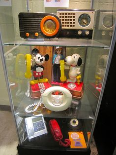 Vintage Radios and 1970s Phones at the Vintage Radio & Communications Museum in Windsor CT!