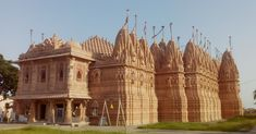 Bhadreshwar Jain Temple – A famous religious attraction Indian Temple Architecture, Jain Temple, Ganesha Art, Incredible India, Barcelona Cathedral, The Incredibles, City, Building, Places