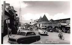 Pasar Baru Bandung th Dutch East Indies, Old Pictures, The Past, History, City, Places, Volkswagen, Java, Porsche