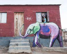 Elefanti dipinti nei villaggi del sud Africa per dare speranza
