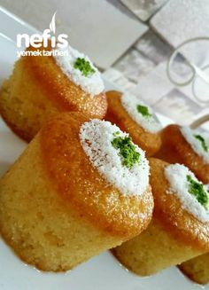 Bardakta Limonlu Revani Desert Recipes, Yummy Cakes, Tiramisu, No Bake Cake, French Toast, Brownies, Cornbread, Bon Appetit, Muffins