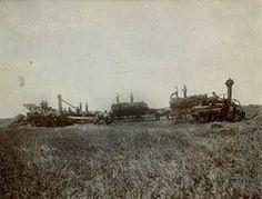 Threshing, Wahpeton, ND This image is from Set Pioneer Farms. Pioneer Farms, 50 States, North Dakota, Law School, Historical Society, Austin Tx, Farm Life, Minneapolis, San Antonio