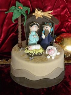 How to create characters of the nativity scene in sugar paste