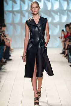 Nina Ricci Spring 2015 Ready-to-Wear - Collection - Gallery - Look 1 - Style.com