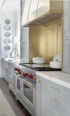 Modern And Trendy Kitchen Cabinets Ideas And Design Tips – Home Dcorz Diy Kitchen Decor, Kitchen Styling, Interior Design Kitchen, Kitchen Furniture, Kitchen Ideas, Furniture Ideas, Furniture Movers, Industrial Furniture, Furniture Dolly