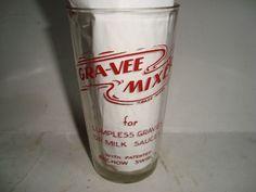 "Rochow Swirl""s Gra-Vee Mixer   advertising   measuring glass"