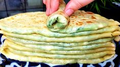 Gözleme yapımı Savory Pancakes, Food And Drink, Appetizers, Cooking Recipes, Chicken, Meat, Breakfast, Healthy, Ethnic Recipes