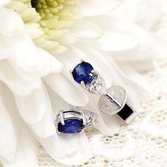 Blue saphire and diamonds earings