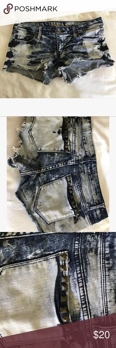Acid Wash Jean Shorts w/ Pyramid Studs! These Acid Washed Shorts w/ pyramid studs are perfect for summer! Barely worn, amazing condition. Purchased on Melrose Avenue! These shorts go perfect with a Top that is white! Shorts Jean Shorts