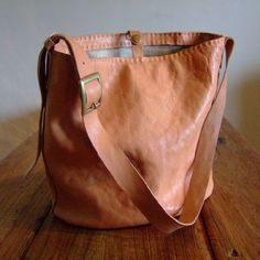 Hand Stitched Simple Leather MXS  Shoulder Bag - Ivory-