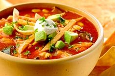 Tortilla soup is a family classic in Mexico and a perfect dish to enjoy it on autumn or winter. Tortilla soup is a fantastic dish to be served as a starter of a family dinner. Mexican Food Recipes, Soup Recipes, Cooking Recipes, Recipies, Sopa Azteca Recipe, Pollo Recipe, Chicken Flavors, Chicken Recipes, Chicken Tortilla Soup