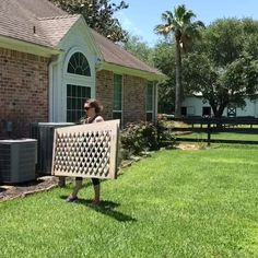 DIY Removable AC Screen or Removable Fence Panel - Abbotts At Home How to build removable Air Condit Diy Backyard Fence, Diy Fence, Backyard Landscaping, Diy Privacy Fence, Garden Fence Panels, Fence Ideas, Outdoor Privacy Panels, Privacy Fence Decorations, Lattice Fence Panels