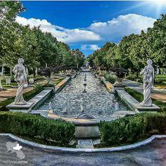 Beautiful Places In The World, Sidewalk, Mansions, House Styles, Travel, Decor, Fashion, Italia, Moda