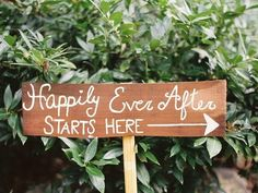 18 Wedding Signs That Add Even More Romance To The Big Day
