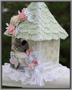 decor kitchen ideas decor magazines decor master bedroom farmhouse decor with modern decor decor wreath decor crafts decor wholesale Shabby Chic Birdhouse, Birdhouse Craft, Bird Houses Painted, Shabby Chic Crafts, Glitter Houses, Bird Cages, Diy Projects To Try, Easter Crafts, Altered Art