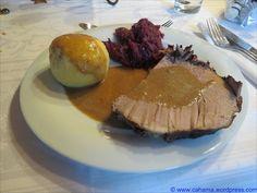 Wildschweinkeule in Buttermilch-Rotwein-Sauce