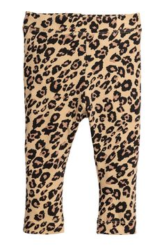 Beige/leopard print. BABY EXCLUSIVE/CONSCIOUS. Leggings in thick jersey made from a soft organic cotton blend with a printed pattern. Elasticized waistband.