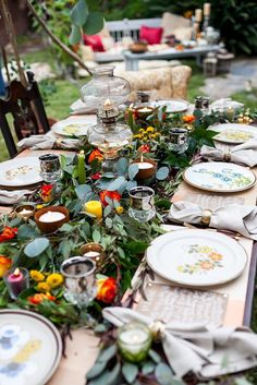 Floral Dining Tablescape from a Backyard Vintage Girls Night Soiree via Kara's Party Ideas! KarasPartyIdeas.com (32)