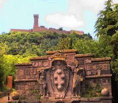Radicofani (SI) La rocca e fortezza e la fontana del viandante