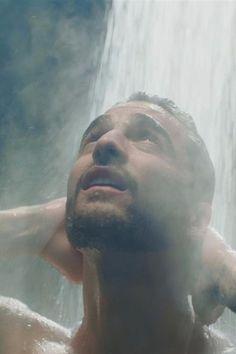 "Maluma Gets Into a Love Square With Wilmer Valderrama in ""Felices Los 4"" Video"