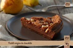 Pastel mágico de chocolate y peras