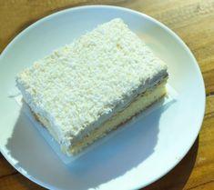 prăjitură rafaelo cu cremă de vanilie Krispie Treats, Rice Krispies, Vanilla Cake, Desserts, Food, Sweets, Raffaello, Tailgate Desserts, Deserts