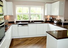 Handleless White Gloss Kitchen